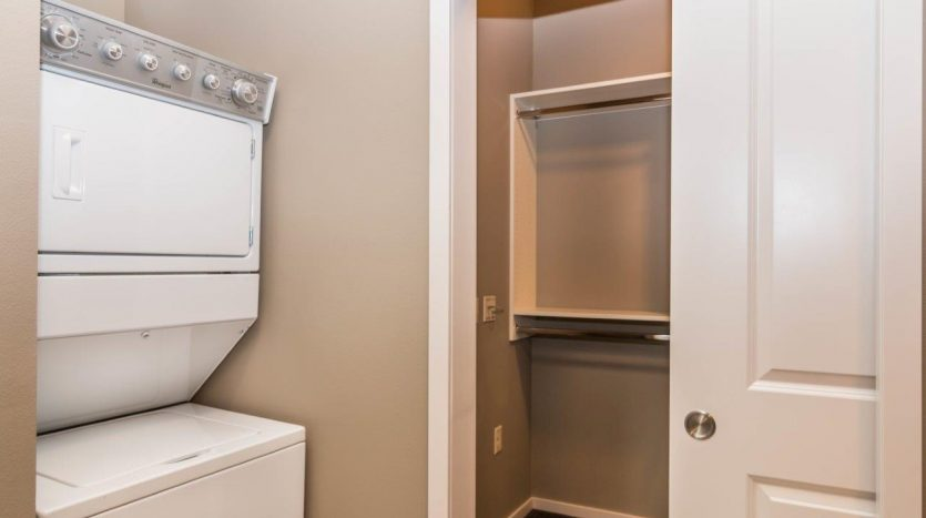Edgerton Place Apartments in Mitchell, SD - Phase II Washer/Dryer