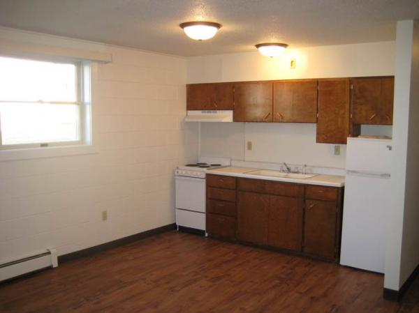J & K Manor Apartments in Mobridge, SD - Kitchen