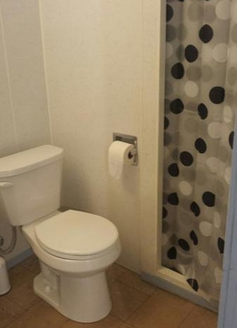 629 Campanile Ave - Bathoom