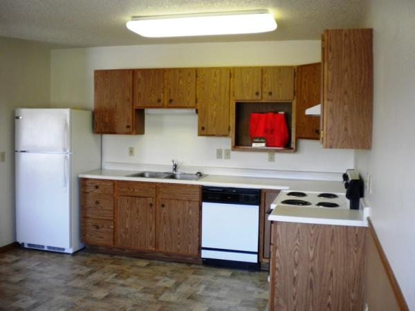 Three Oaks Townhomes in Brookings, SD - Kitchen