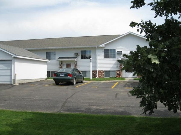 Three Oaks Townhomes in Brookings, SD - Building Exterior