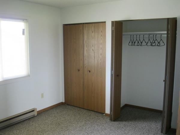 Huron Apartments in Huron, SD - Bedroom Closets