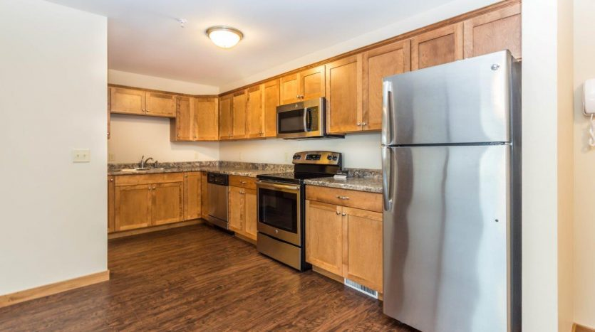 6th Street Centre Apartments in Brookings, SD - Kitchen