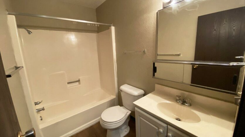 Colony West Townhomes in Watertown, SD - Bathroom
