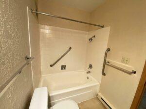 Canton Villa Apartments in Canton, SD - Shower and Bathtub