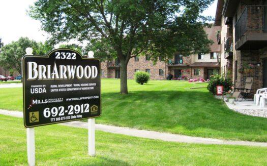 Briarwood Apartments in Brookings, SD - Exterior