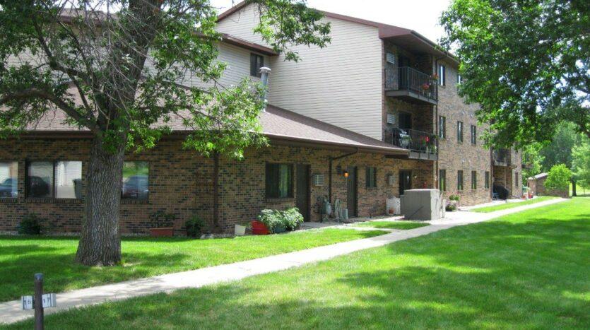 Briarwood Apartments in Brookings, SD - Exterior3