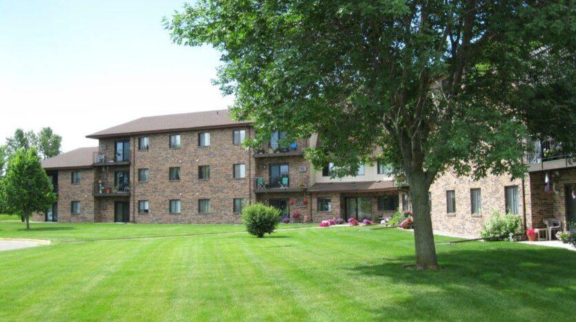 Briarwood Apartments in Brookings, SD - Exterior2