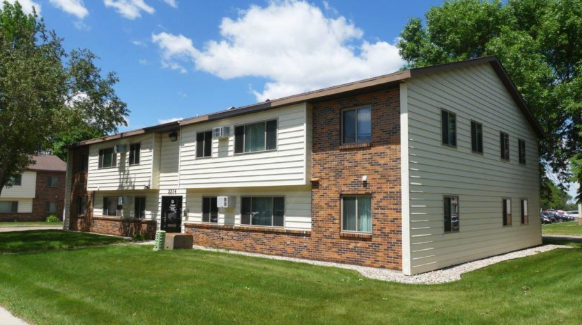 Clairview Apartments in Brookings, SD - Building Exterior