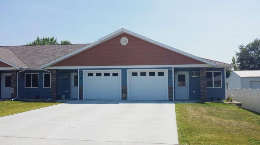 Copperleaf Townhomes in Mitchell, SD - Single Attached Garage