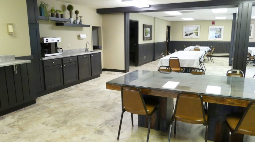 Sunchase Apartments in Brookings, SD - Community Dining Room