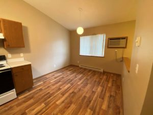 Springwood Townhomes in Watertown, SD - Dining Room