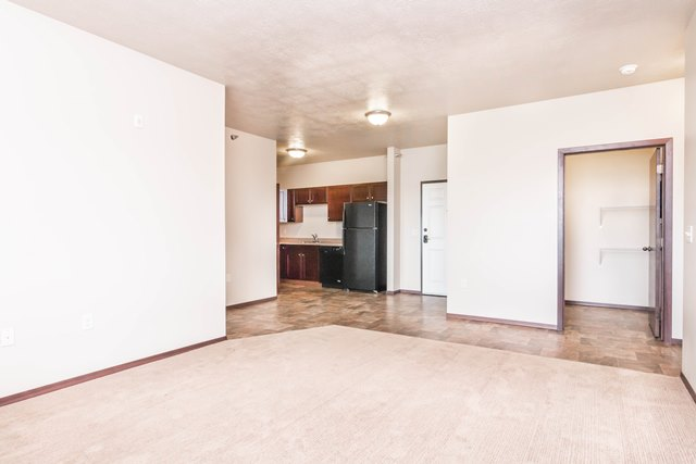 Edgerton Place Apartments in Mitchell, SD - Open Living Room