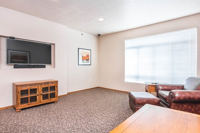 Edgerton Place Apartments in Mitchell, SD - Community Room