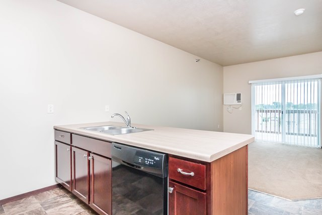 Edgerton Place Apartments in Mitchell, SD - Open Kitchen Concept