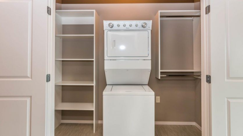 Edgerton Place Apartments in Mitchell, SD - Phase II Studio WasherDryer