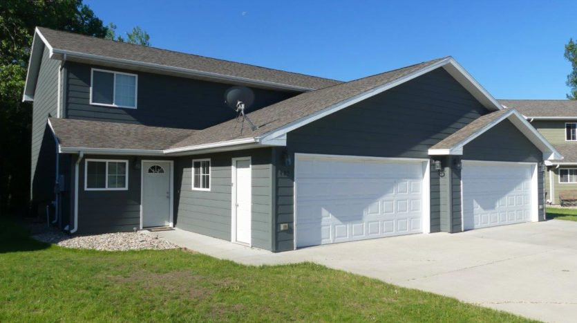 Ideal Twinhomes in Brookings, SD - Exterior