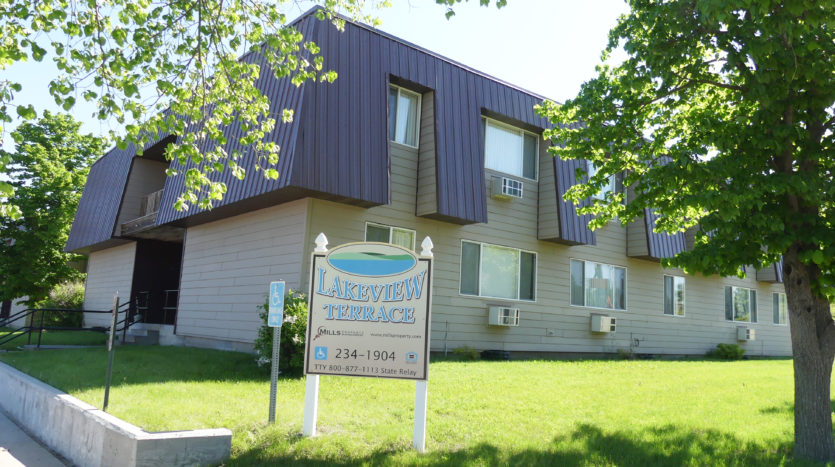 Lakeview Terrace Apartments in Chamberlain, SD - Building Exterior