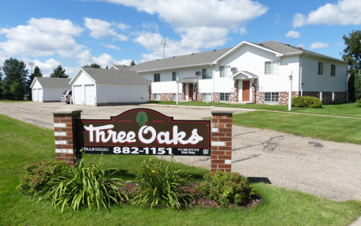 Three Oaks II Townhomes in Watertown, SD - Building Exterior
