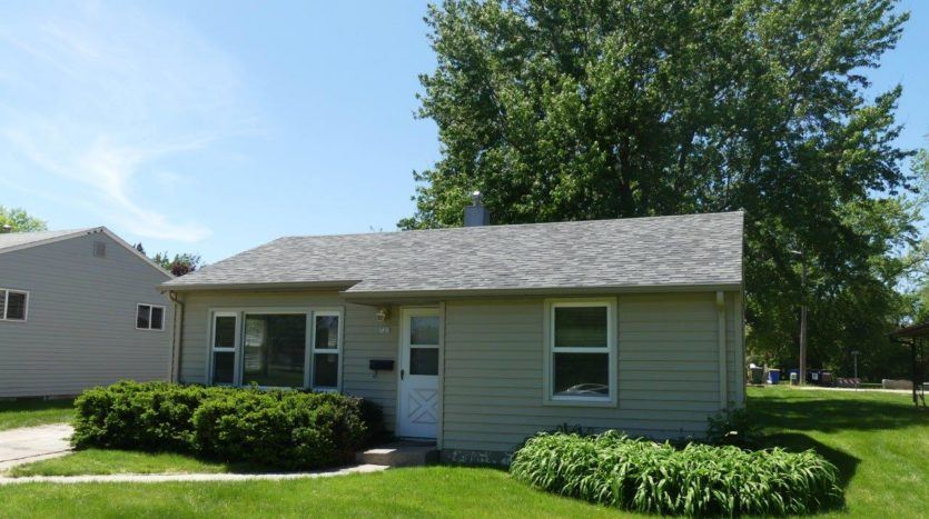 723 14th Avenue in Brookings, SD - Exterior