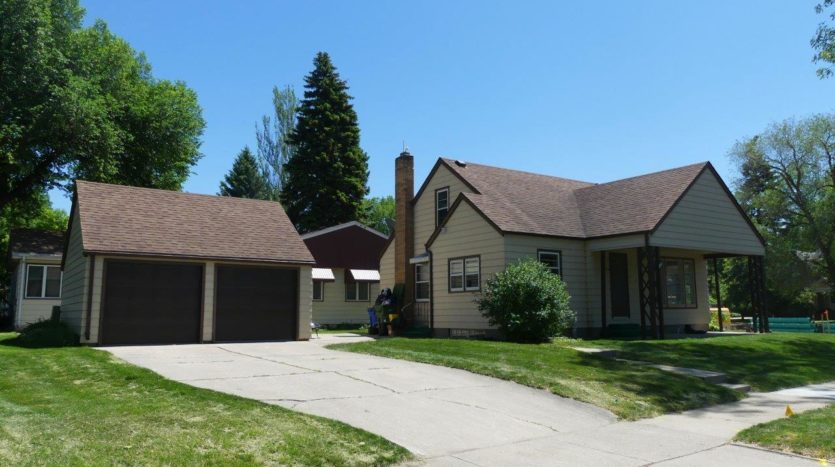 803 6th Street in Brookings, SD - Garage and Home Exterior