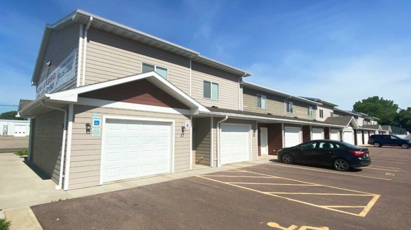 Lake Area Townhomes in Madison, SD - Exterior2