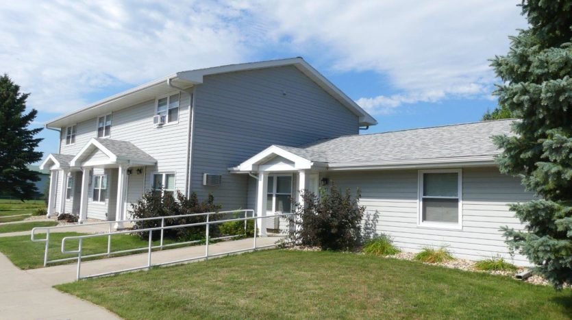 Pheasant Valley Courtyard Townhomes in Milbank, SD - Exterior 2