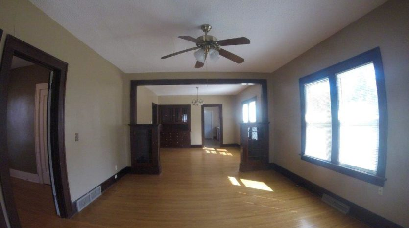 913 A/B 1st Street - Unit A Living Room