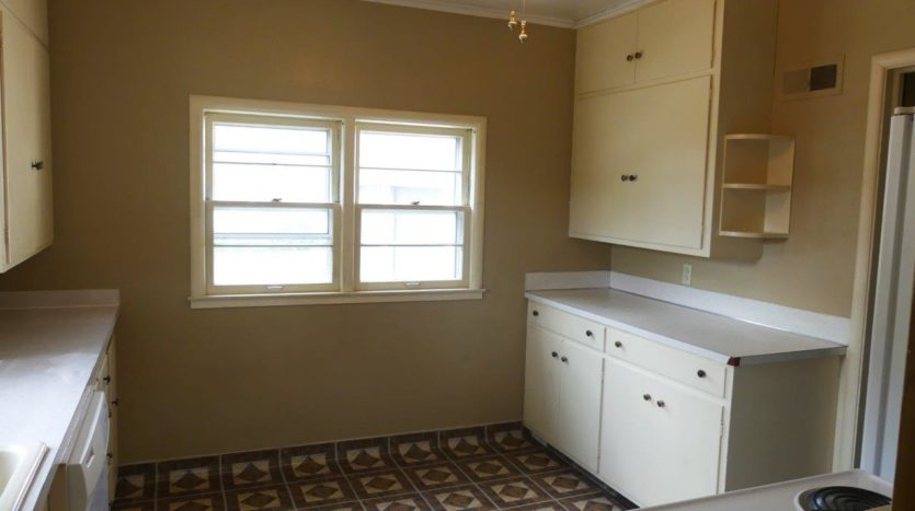 803 6th Street in Brookings, SD - Kitchen