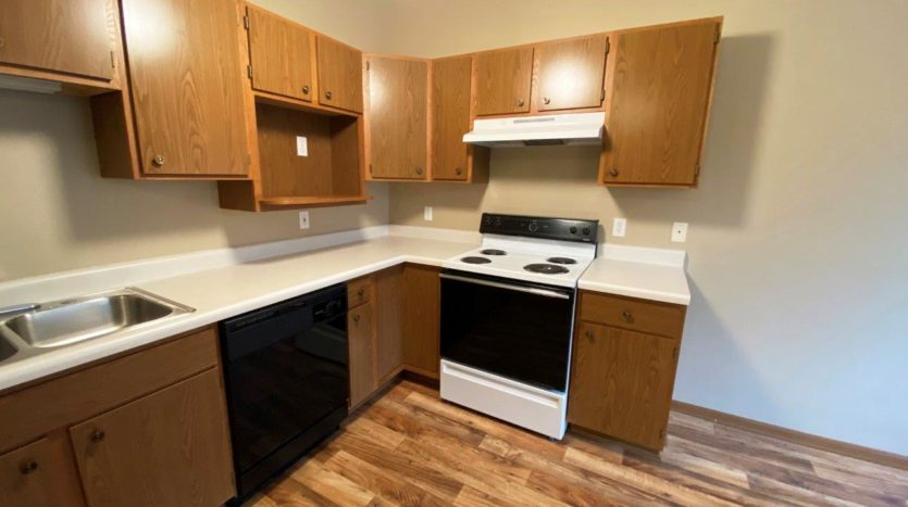 Springwood Townhomes in Watertown, SD - Kitchen2