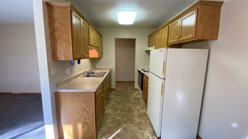 Canton Villa Apartments in Canton, SD - Kitchen