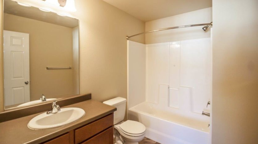 Lake Area Townhomes in Madison, SD - Bathroom
