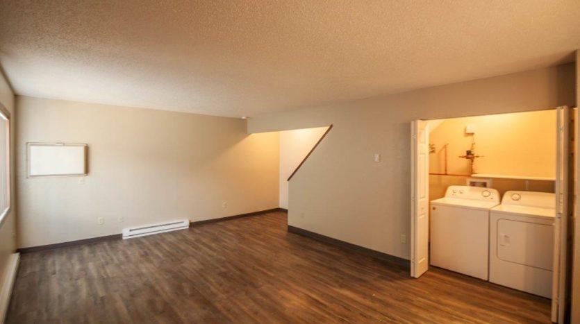 Lakota Village Townhomes in Brookings, SD - Dining Room/Living Room