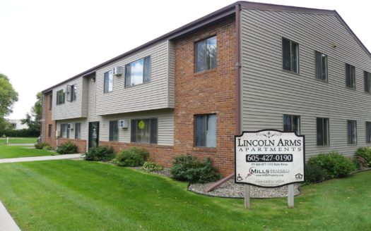 Lincoln Arms Apartments in Madison, SD - Building Exterior