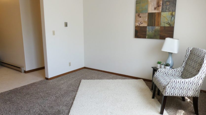 Grandview Apartments in Chamberlain, SD - Living Room