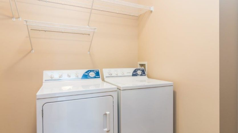 Mills Ridge Apartments in Brookings, SD - Washer and Dryer