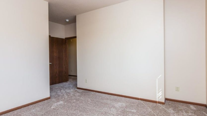 Mills Ridge Apartments in Brookings, SD - Bedroom