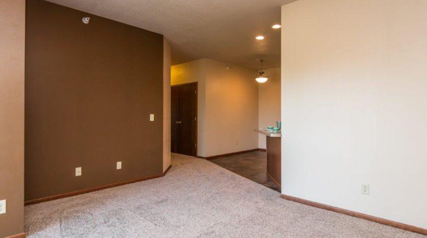 Mills Ridge Apartments in Brookings, SD - Living Room