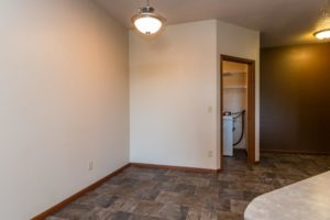 Mills Ridge Apartments in Brookings, SD - Dining