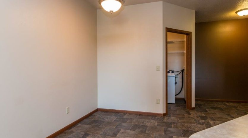 Mills Ridge Apartments in Brookings, SD - Style C Dining