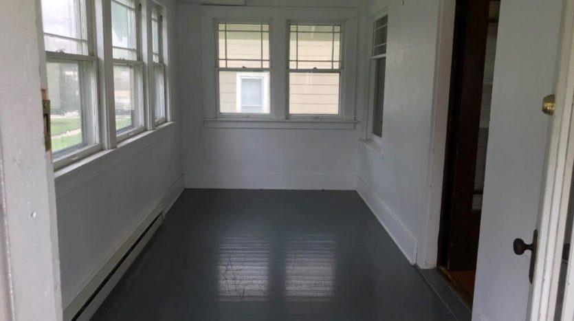 913 A/B 1st Street - Porch