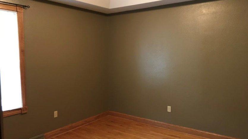 913 A/B 1st Street - Unit A Bedroom