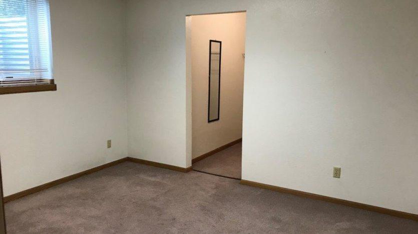 913 A/B 1st Street - Unit B Bedroom