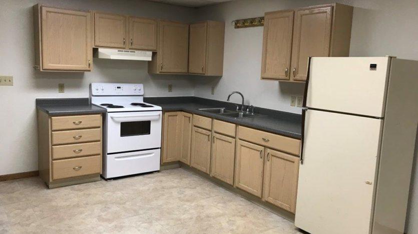 913 A/B 1st Street - Unit B Kitchen