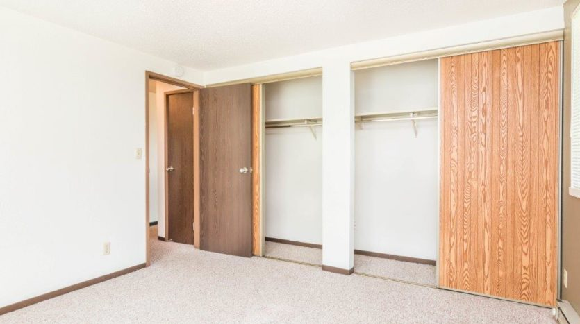 Onaka Village Apartments in Brookings, SD - Bedroom 2 Closet