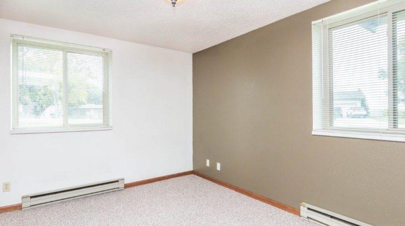Onaka Village Apartments in Brookings, SD - Bedroom