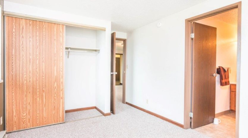 Onaka Village Apartments in Brookings, SD - Bedroom Closet