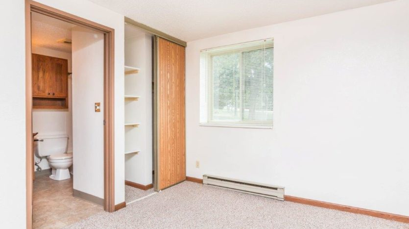 Onaka Village Apartments in Brookings, SD - Closet Shelving