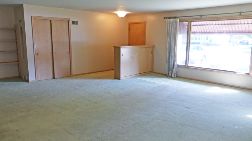 805 6th Street in Brookings, SD - Large Living Room