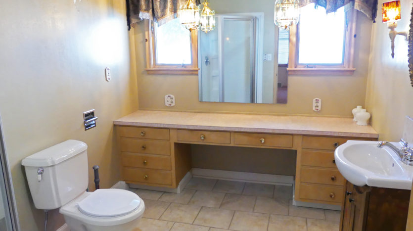 805 6th Street in Brookings, SD - Bathroom